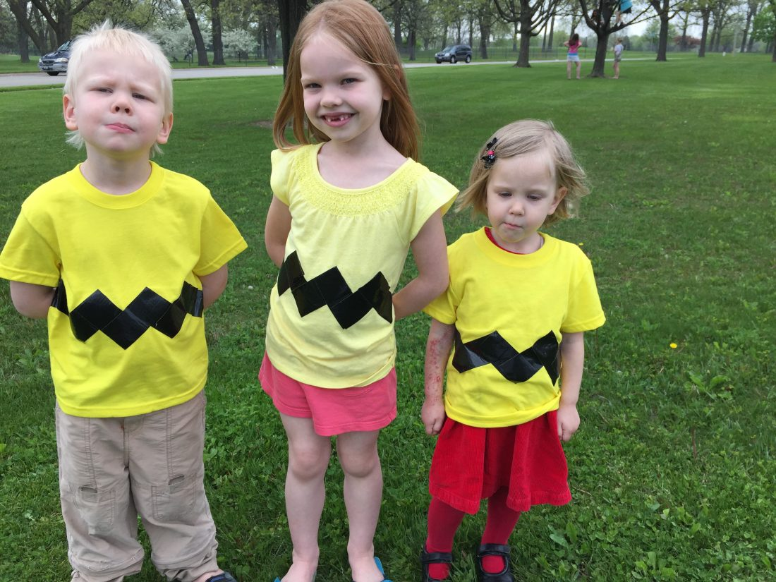 Tutorial: Charlie Brown T-Shirt Costume Idea