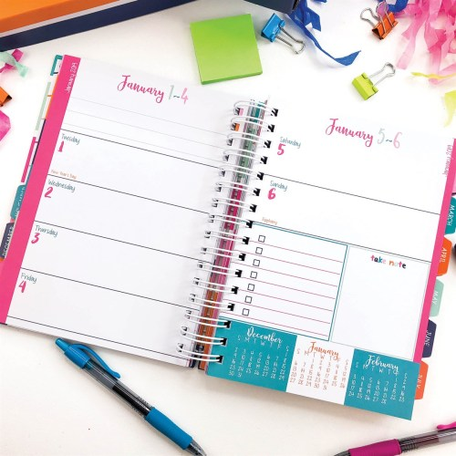 """This amazing planner set is a no-brainer with this deal! Get an 18-month """"Reminder Binder"""" planner, desk calendar, and a set of stickers! #planner #plannergirl #ichoosejoyblog #organization"""