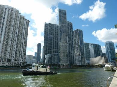 Am Miami River Walk