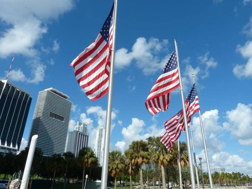 USA Florida Miami Downtown Bayfront Park amerikanische Flagge