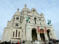 Auf den Stufen von Sacré Coeur