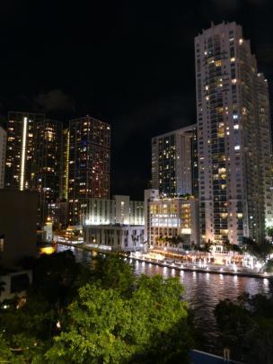 Miami River bei Nacht