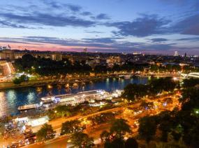 Lichtermeer über Paris