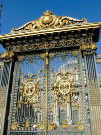 Goldenes Tor vom Palais de Justice