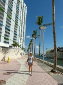 Am Miami River Walk