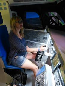 Iris fliegt Space Shuttle1 -1200x900