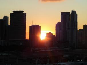 Abendsonne zwischen Wolkenkratzern-1200x900