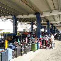 Kofferchaos am Kreuzfahrtterminal