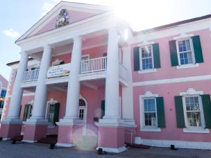 Parlamentsgebäude Nassau-1200x900