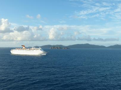 Schiff vor St Thomas Kulisse-1200x900