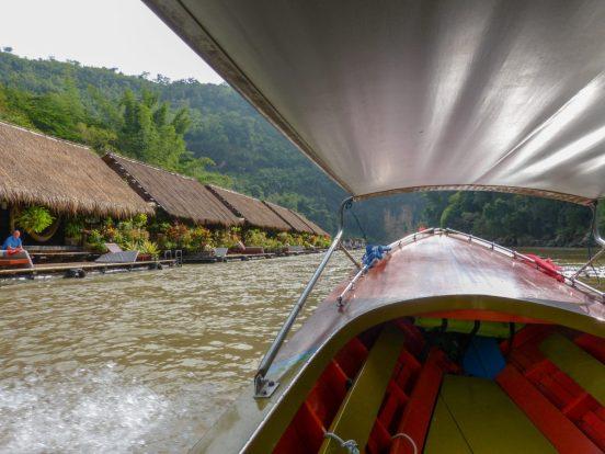 Thailand River Kwai Jungle Rafts Dschungel schwimmende Flöße Longtailboot