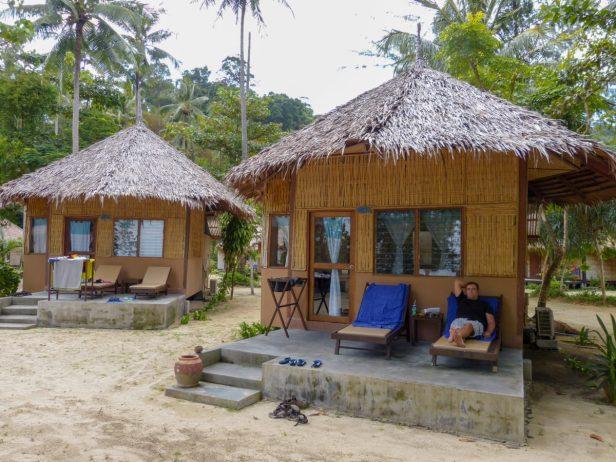 Thailand Koh Ngai Koh Hai Insel Andamanensee Inselparadies Strand Meer Mayalay Beach Resort Bungalow Strandhütte Veranda