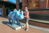 Südafrika Kapstadt Cape Town Victoria and Alfred V&A Waterfront Hafen Two Oceans Aquarium Nashorn Statue