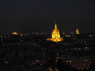 Frankreich Paris Eiffelturm Ausblick Nacht Nachtaufnahme Notre Dame de Paris Kathedrale Dome des Invalides Invalidendom Pantheon Bauten