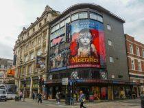 Musical Les Misérables Les Mis Queen's Theatre London Cosette