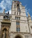 Großbritannien England UK London City of London Finanzdistrikt Justizpalast Palace of Justice Drache