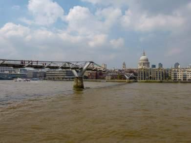Großbritannien England UK London Southbank Südliches Ufer Themse Millenium Bridge Brücke