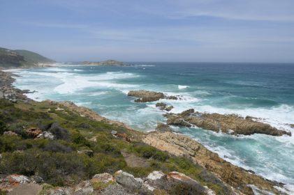 Südafrika South Africa Garden Route Kap Plettenberg Bay Robberg Nature Reserve Naturreservat Nelson Bay Cave Höhle Wanderung Küste Meer