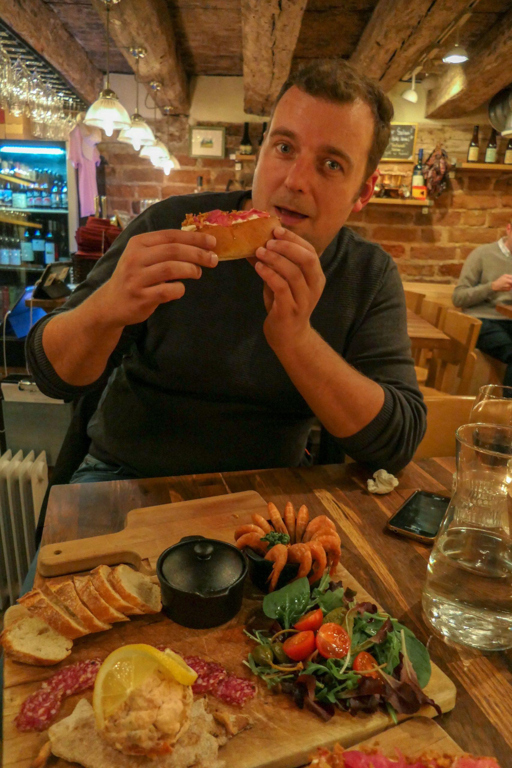 Stockholm Schweden Städtetrip Restaurant The Hairy Pig Deli Gamla Stan Abendessen Wildschwein Hot Dog