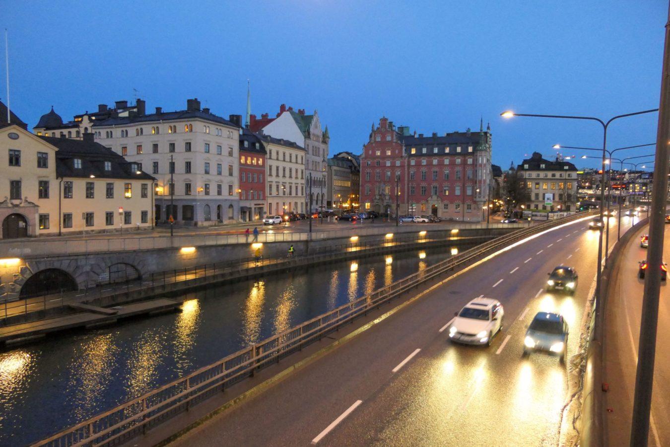 Stockholm Schweden Brücke Schnellstraße Abend