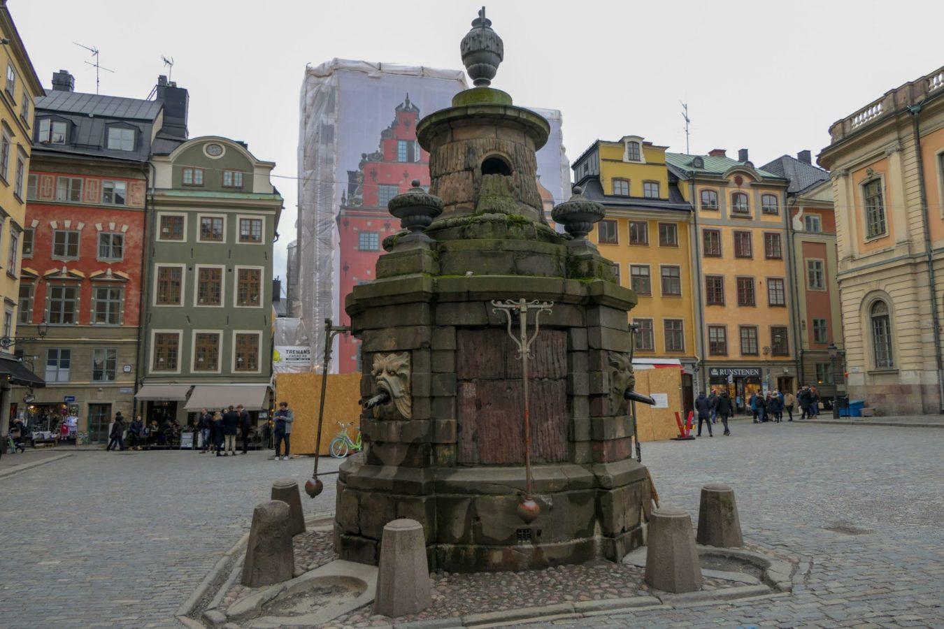 Stockholm Schweden Gamla Stan Stadsholmen Altstadt Stortorget Brunnen