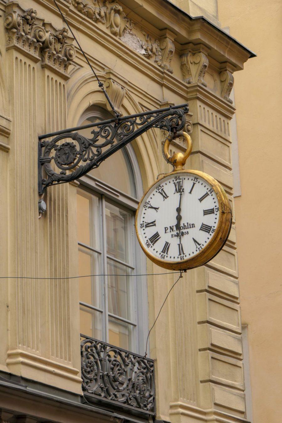Stockholm Schweden Gamla Stan Stadsholmen Altstadt Uhr