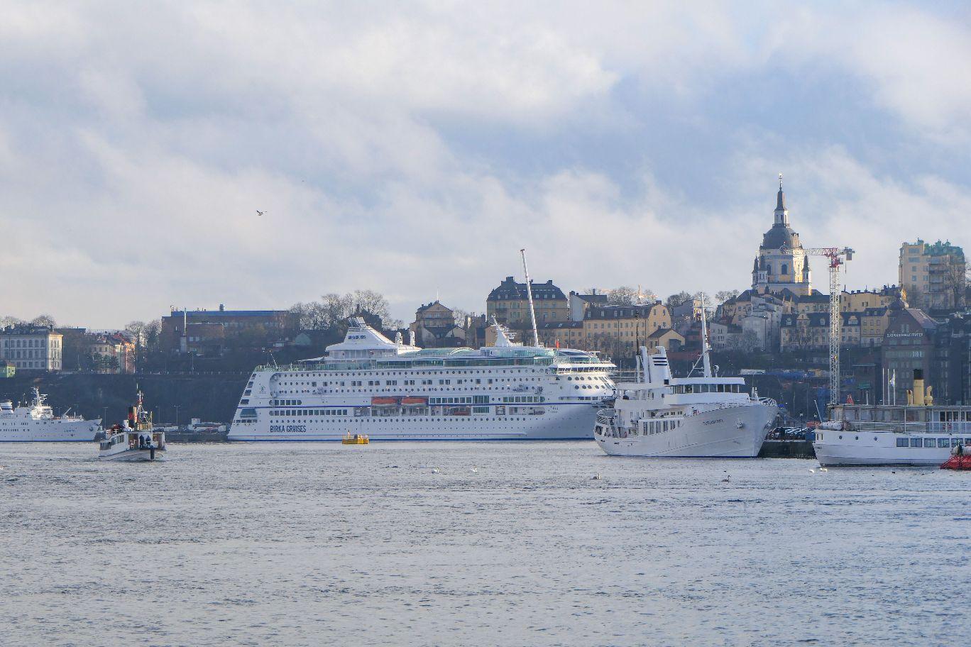 Stockholm Schweden Promenade Södra Blasieholmshamnen Kreuzfahrtschiff