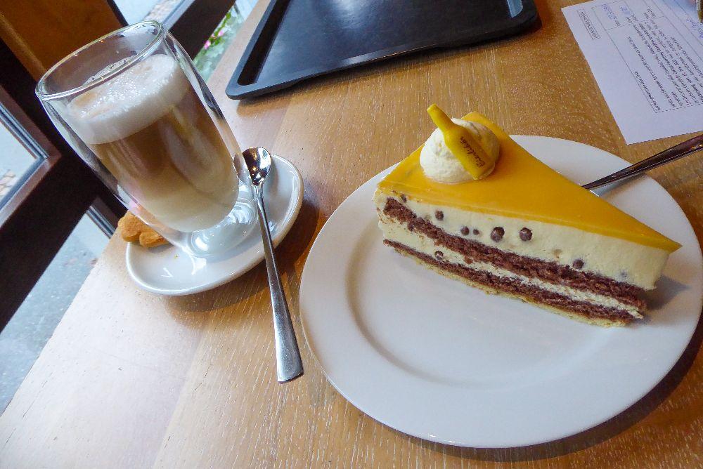 Deutschland Schwarzwald Hochschwarzwald Todtnau Café Gutmann Eierlikör Torte