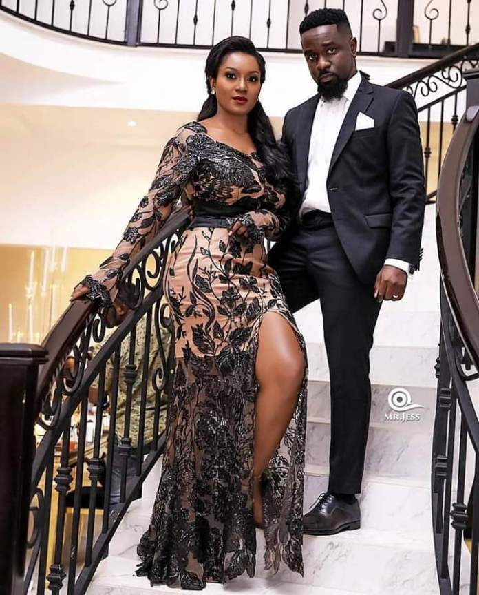 "Ghana's covid-19 cases have quadrupled, why are the borders still closed? ""mabrƐ"" – Tracy Sarkcess cries out"