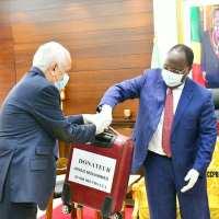 Congo - Lutte contre le Covid-19 : Clément Mouamba recevant une valise d'argent, une image pitoyable
