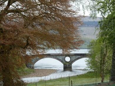 Pont du château d'Inveraray en Ecosse