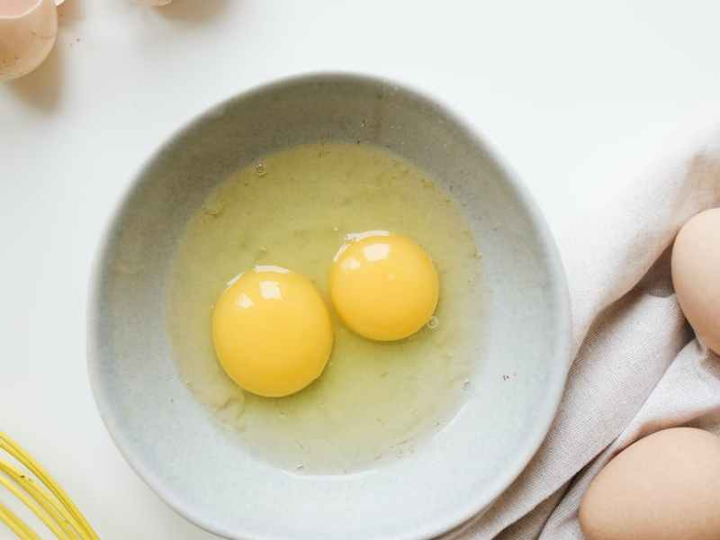 photo of eggs on a ceramic bowl