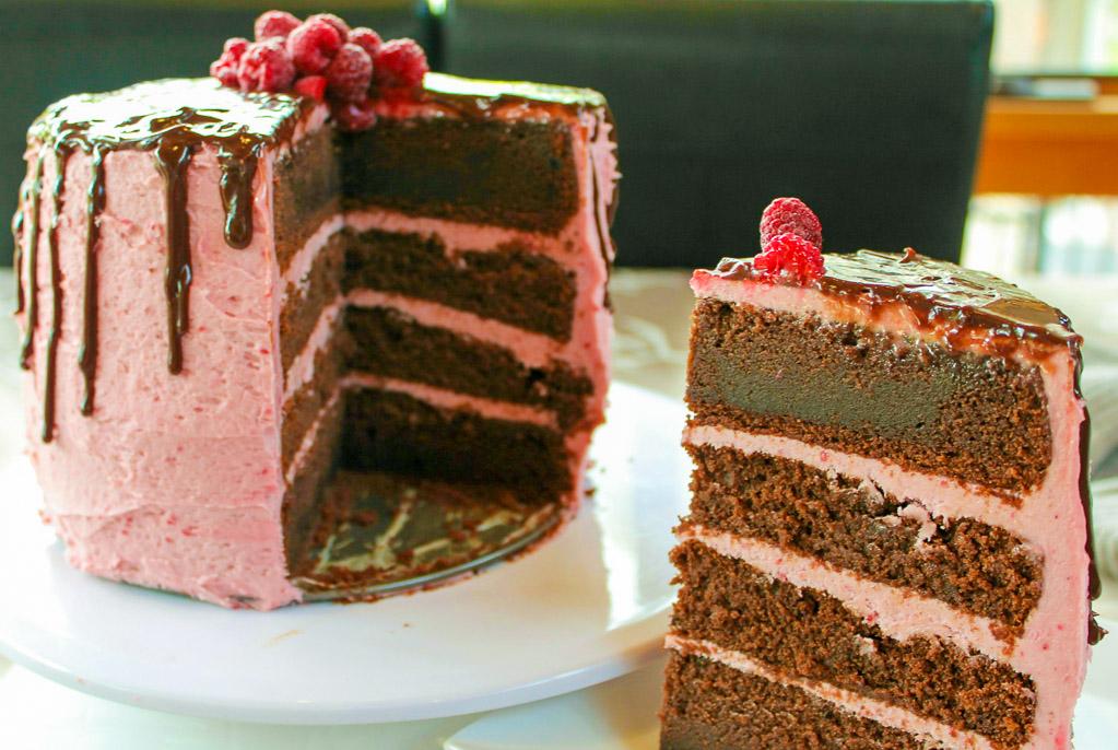 Pin by Helen Norris on cuisine | Chocolate raspberry cake