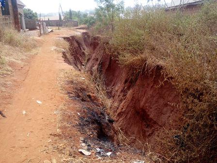 Gully erosion IN Angwa, Idah, kogi state