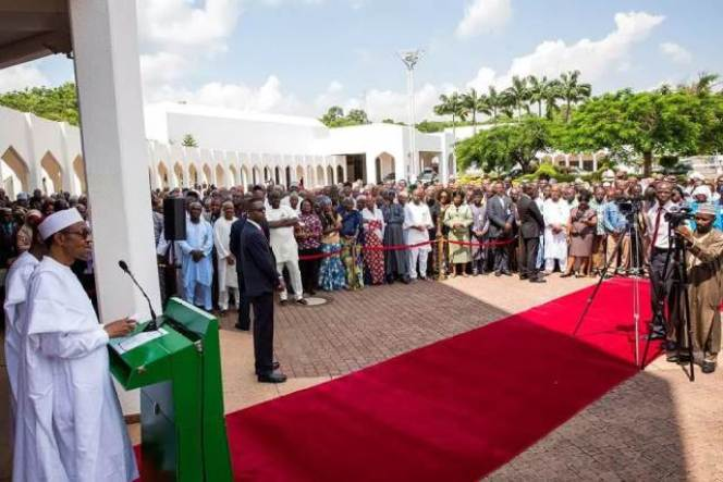 Buhari and state house staff