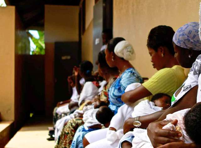 Chaotic Maternal Health Policies Hurt Nigerian Women
