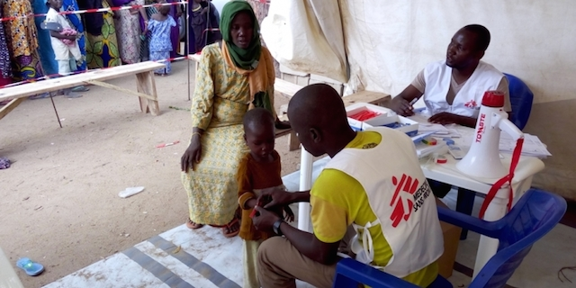 MSF staff provide care for IDPs