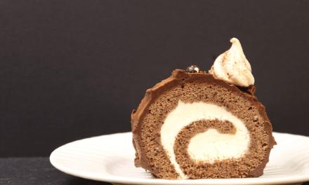 Bûche à la crème chantilly et ganache au chocolat
