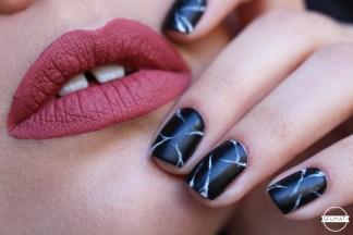 nail-art-marbre-noir-4
