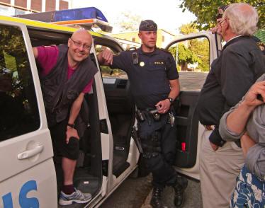 http://ickevald.net/plogbill/photopingst2012/GripnaPolisbussPerHerngrenLeifHerngren20120527pse2.JPG