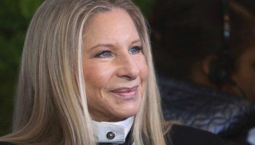 Barbra Streisand liga a Cook porque a Siri não sabe dizer o seu nome