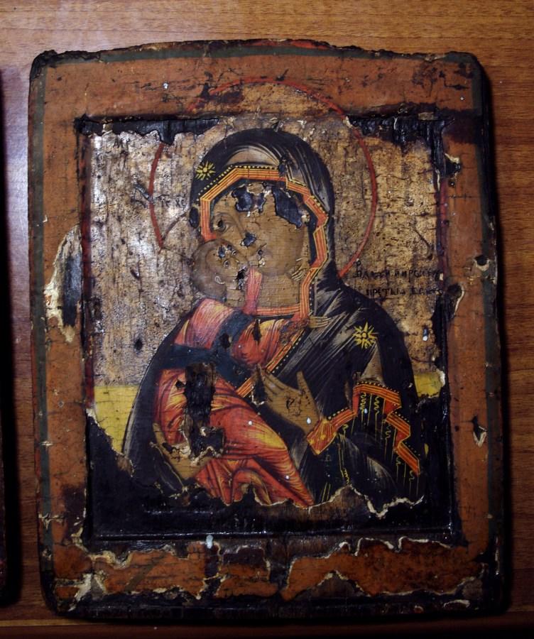 Почти до конца раскрытый образ Владимирской Божией Матери