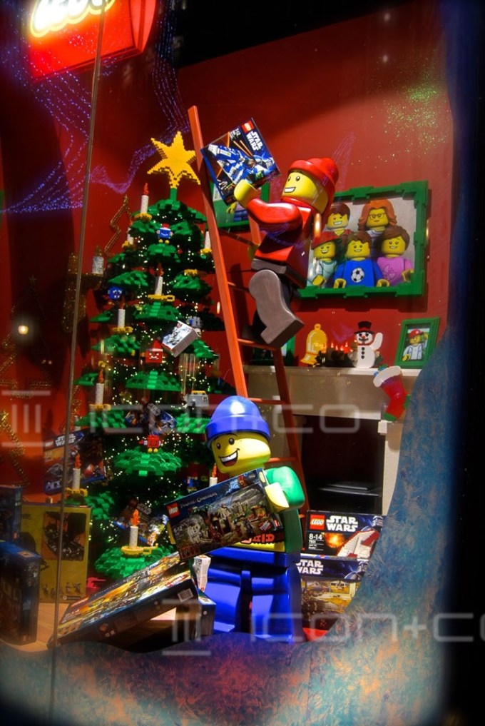 Lego Window Display props, christmas window display scheme, hamleys london, giant props, figurines, lego figures, xmas tree,