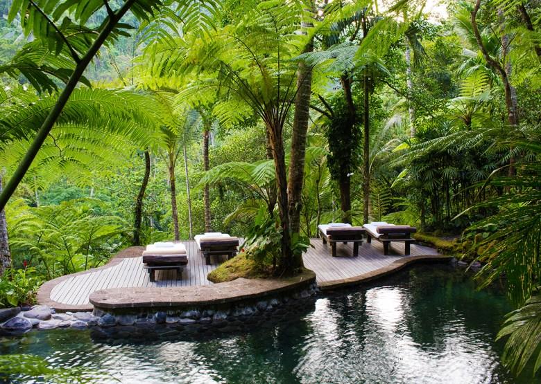 Como Shambhala Estate Spa Bali - Massage Benches by Pool
