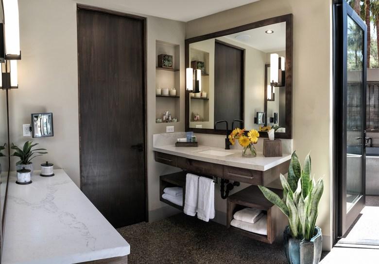 Castle Hot Springs Bathroom