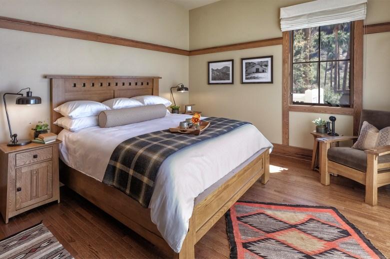 Castle Hot Springs Bedroom