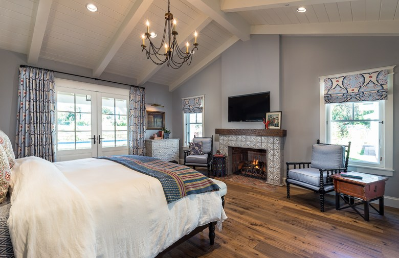 Luxury Design Modern Farmhouse Bedroom