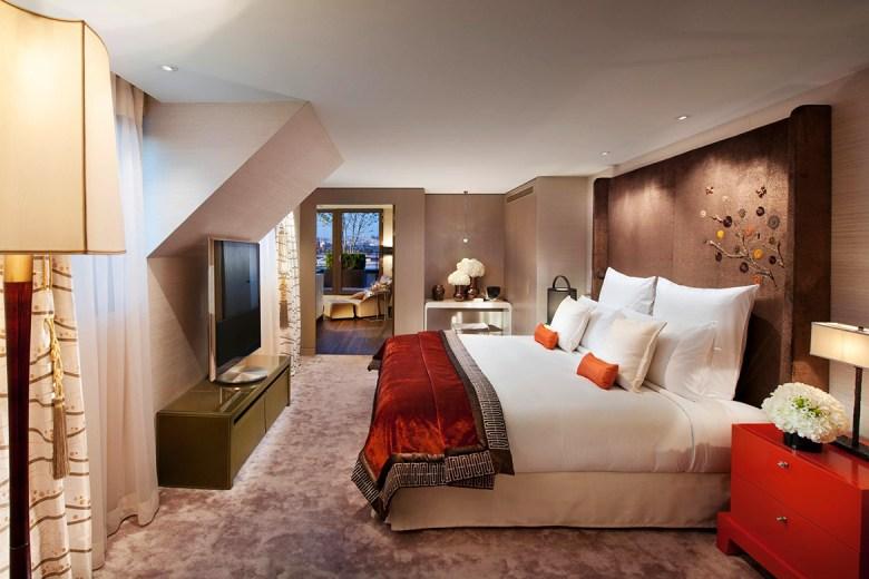ROYALE ORIENTALE SUITE – Mandarin Oriental, Paris - Bedroom Suite