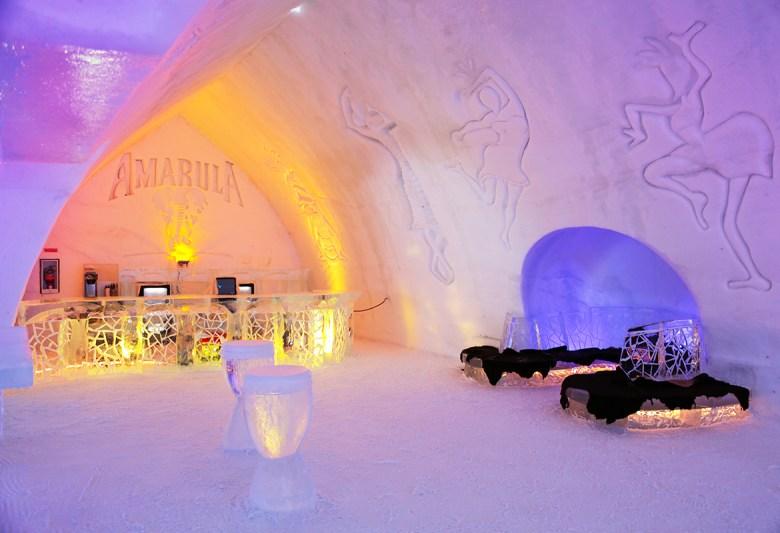 HOTEL DE GLACE – Quebec City, Quebec, Canada - Ice Hotel - lobby