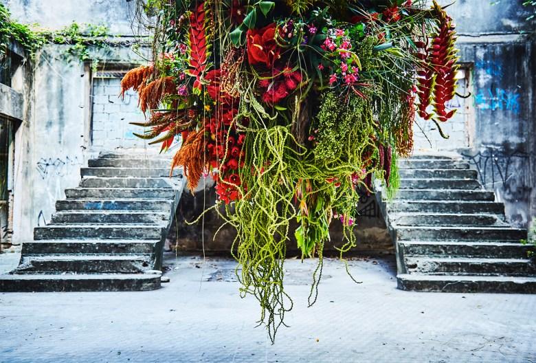 Makoto Azuma Botanical Sculptor - Brazil Floral Arrangement